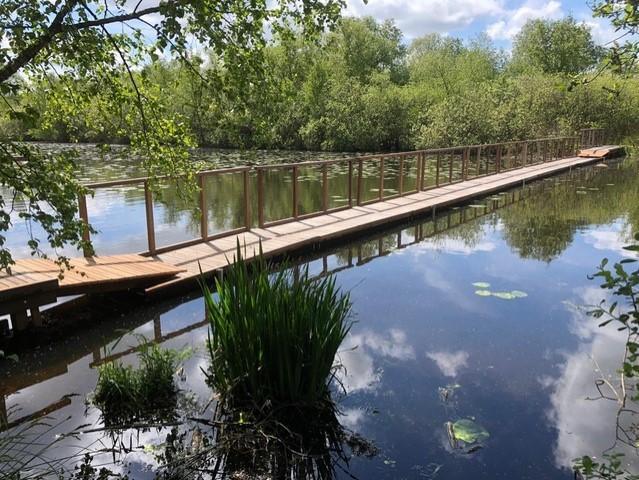Een nieuwe brug over de Deelen in Friesland met een speciaal verhaal