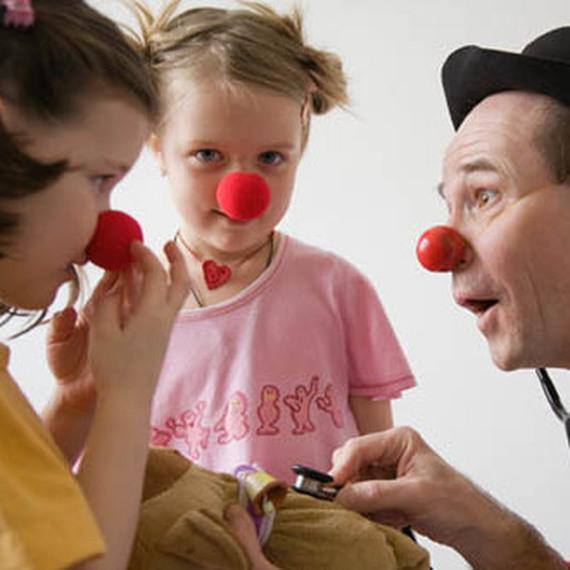 Un enfant, un sourire - Le rire médecin